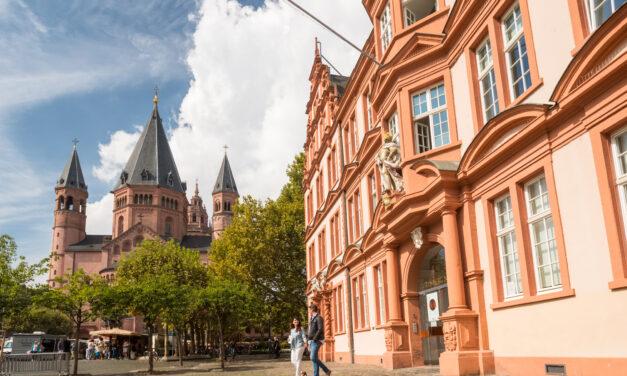 """<span class=""""entry-title-primary"""">Positives Zeichen für den Tourismus in Mainz</span> <span class=""""entry-subtitle"""">Deutsche Zentrale für Tourismus wählt Mainz zu den 100 beliebtesten Reisezielen Deutschlands für internationale Gäste </span>"""