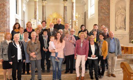 """<span class=""""entry-title-primary"""">Kommunionsjubiläum in Laubenheim</span> <span class=""""entry-subtitle"""">Würdevolle Predigt von Pfarrer Reinbott</span>"""