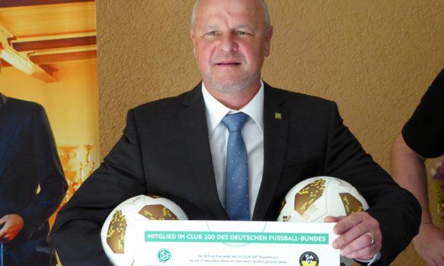 """<span class=""""entry-title-primary"""">Laubenheimer Alemanne vom DFB ausgezeichnet</span> <span class=""""entry-subtitle"""">Werner Vollrath ist Mitglied im """"Club 100""""</span>"""