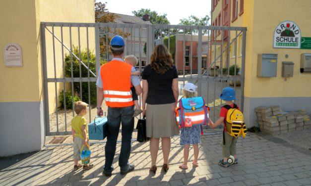 "<span class=""entry-title-primary"">Wer kümmert sich um die Kinder?</span> <span class=""entry-subtitle"">24. Bodenheimer Ferienspiele des TV 1848</span>"