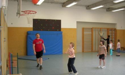 "<span class=""entry-title-primary"">Workshop Basketball</span> <span class=""entry-subtitle"">Kinder sind von Ferienbetreuung des TVB begeistert</span>"