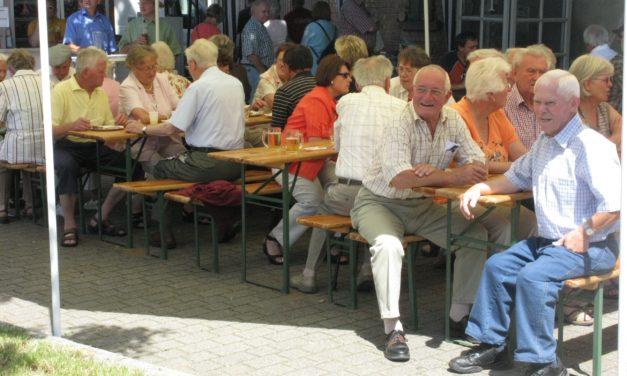 """<span class=""""entry-title-primary"""">Ein tolles Fest für die ganze Familie</span> <span class=""""entry-subtitle"""">Das Delkenheimer Rathausplatzfest erwies sich auch dieses Jahr wieder als Publikumsmagnet</span>"""