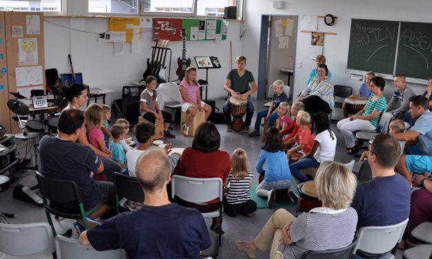 """<span class=""""entry-title-primary"""">e-Gitarren und e-Schlagzeuge waren der Renner</span> <span class=""""entry-subtitle"""">Großer musikalischer Aktions- und Mitmachtag in Bischofsheim</span>"""