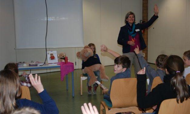 """<span class=""""entry-title-primary"""">Bärenherz-Aktionsnachmittag im Gymnasium Nackenheim</span> <span class=""""entry-subtitle"""">Viele Fragen zur Hospizarbeit wurden den Schülern beantwortet</span>"""