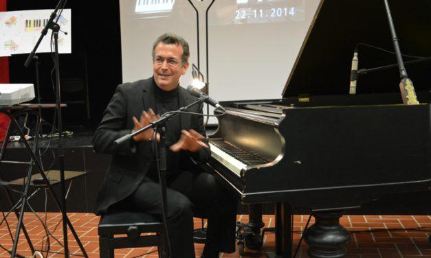 """<span class=""""entry-title-primary"""">Klavierkonzert mit David Andruss war das Mega-Konzerterlebnis des Jahres</span> <span class=""""entry-subtitle"""">Grandioses Spiel auf dem Flügel in der Aula der IGS Mainspitze begeisterte</span>"""
