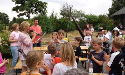 """<span class=""""entry-title-primary"""">Moderne Schnitzeljagd für Kinder und Eltern des Schulkinderhauses</span> <span class=""""entry-subtitle"""">Team """"Prinzessin"""" siegt</span>"""