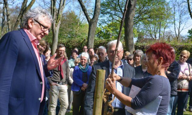 """<span class=""""entry-title-primary"""">Geschichte des Parks als Obstgarten</span> <span class=""""entry-subtitle"""">SPD – Führung durch den historischen Laubenheimer Park ein voller Erfolg.</span>"""