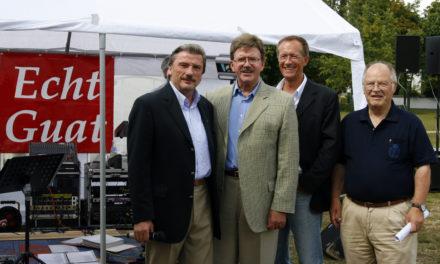 """<span class=""""entry-title-primary"""">Politik und gute Weine</span> <span class=""""entry-subtitle"""">Gelungenes Sommerfest der Hochheimer CDU am Weinstand</span>"""