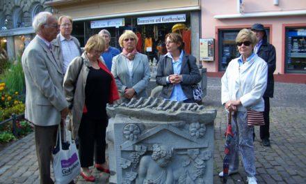 """<span class=""""entry-title-primary"""">Weinfreundeskreis auf historischen Pfaden in Mainz</span> <span class=""""entry-subtitle"""">Die Hochheimer erkundeten unter anderem die Zitadelle und genossen eine Weinprobe</span>"""