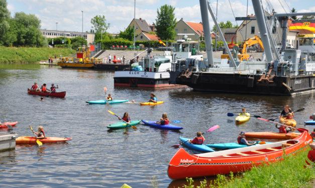 """<span class=""""entry-title-primary"""">Munteres Treiben im Oppenheimer Hafenbecken</span> <span class=""""entry-subtitle"""">Tag der offenen Tür und Hafenfest sorgten für viel Leben am Rhein</span>"""