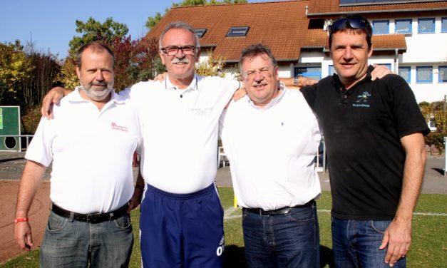 """<span class=""""entry-title-primary"""">Drei Jahre Rasenplatz</span> <span class=""""entry-subtitle"""">Förderverein lud zum Fußball-Derby</span>"""