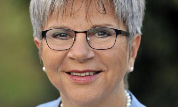 """<span class=""""entry-title-primary"""">Helga Lerch zieht in den Landtag ein</span> <span class=""""entry-subtitle"""">Das Gymnasium Nackenheim verliert eine engagierte Schulleiterin</span>"""