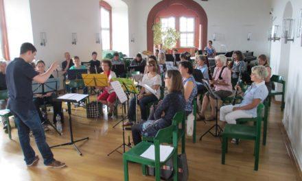 """<span class=""""entry-title-primary"""">Kilian-Ensemble bereitet sich auf Burg Breuberg auf die bevorstehenden Konzerte vor</span> <span class=""""entry-subtitle"""">.</span>"""