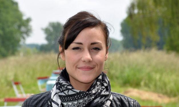 """<span class=""""entry-title-primary"""">Restaurantgutschein im Wert von 50 € zum Verkosten beim Rheinhof</span> <span class=""""entry-subtitle"""">Gewinnerin Jasmine Gwosgz freut sich auf das Schnitzelangebot</span>"""