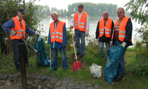 """<span class=""""entry-title-primary"""">Für eine saubere Umwelt</span> <span class=""""entry-subtitle"""">Umwelt-Team sorgt für Sauberkeit in Parks und Grünflächen</span>"""
