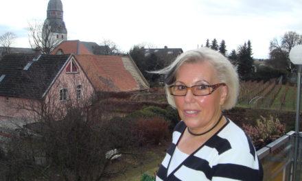 """<span class=""""entry-title-primary"""">Gisela Maurer sorgt seit 40 Jahren für ein blühendes Nierstein</span> <span class=""""entry-subtitle"""">Engagement mit hohem Anspruch und Perfektion</span>"""