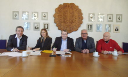 """<span class=""""entry-title-primary"""">""""Wir machen das mit unserem privaten Familiengeld""""</span> <span class=""""entry-subtitle"""">Städtebaulicher Vertrag für den Rheinvillenpark in Nierstein unterzeichnet</span>"""