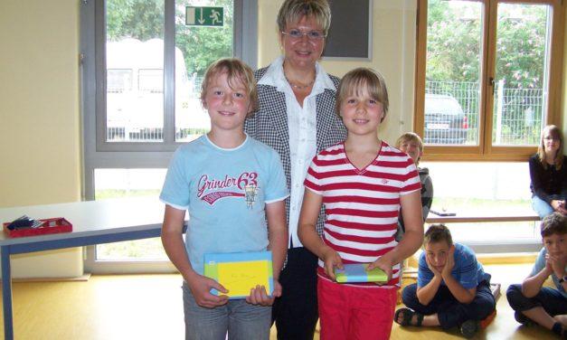 """<span class=""""entry-title-primary"""">Ehrung von Annika Kuhn und Maxi Pelka</span> <span class=""""entry-subtitle"""">Gymnasium Nackenheim vergibt Leistungs- und Sozialpreis</span>"""