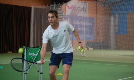 """<span class=""""entry-title-primary"""">Ein 10-Jähriger spielt alle Konkurrenz gegen die Wand</span> <span class=""""entry-subtitle"""">Rafa Nadal Academy machte Station in Bodenheim </span>"""