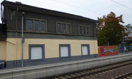 """<span class=""""entry-title-primary"""">Laubenheimer Bahnhof  in neuem Glanz</span> <span class=""""entry-subtitle"""">Auch das Gebäude wurde restauriert</span>"""