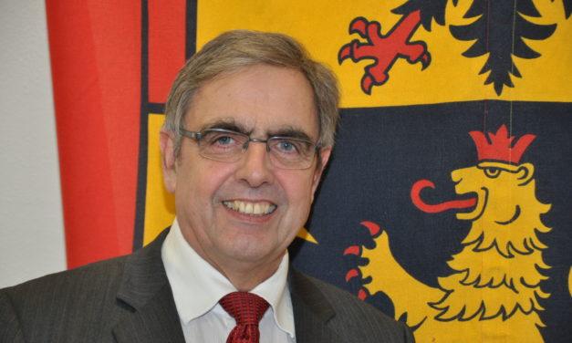 """<span class=""""entry-title-primary"""">Fragen zum Jahresende 2012</span> <span class=""""entry-subtitle"""">VG-Bürgermeister Klaus Penzer gibt Antworten</span>"""