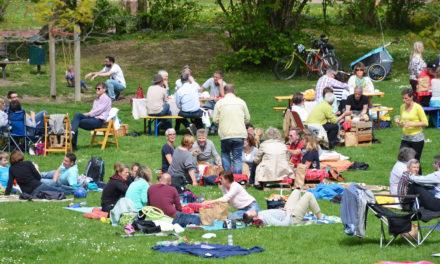 "<span class=""entry-title-primary"">Hier kommt der Frühling!</span> <span class=""entry-subtitle"">7. Wein-Picknick im Bodenheimer Dollespark am 22. April</span>"