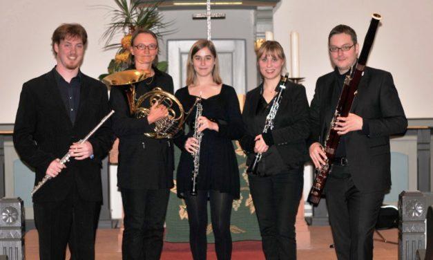"""<span class=""""entry-title-primary"""">Festliche Bläsermusik</span> <span class=""""entry-subtitle"""">""""Luther-Quintett"""" aus Frankfurt am 4. Advent in Kostheim</span>"""