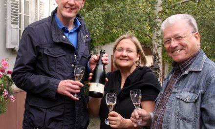 """<span class=""""entry-title-primary"""">Von der Weinprobe zur Traubenlese – Weinnacht im Dezember</span> <span class=""""entry-subtitle""""> OB Michael Ebling mit einer ganzen Truppe von Winzern und interessierten Bürgern auf Weinbergsbegehung</span>"""