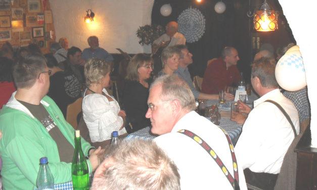 """<span class=""""entry-title-primary"""">Einmal im Jahr kommt bayrisches Feeling nach Nierstein</span> <span class=""""entry-subtitle"""">Zum sechsten Mal veranstaltete der Turnverein sein Oktoberfest</span>"""