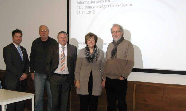 "<span class=""entry-title-primary"">Kommunikation verbessern</span> <span class=""entry-subtitle"">Besuch des ""Forum Flughafen"" der CDU-Mainspitze in Kelsterbach</span>"