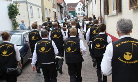 """<span class=""""entry-title-primary"""">Musik-Marathon mit munteren Musikern</span> <span class=""""entry-subtitle"""">Die """"Taunusmusikanten"""" begeisterten auch in diesem Jahr auf der Wallauer Kerb</span>"""