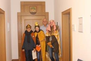 Sternsinger zu Gast im Bodenheimer Rathaus