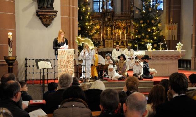 """<span class=""""entry-title-primary"""">Festliches Programm für die ganze Familie</span> <span class=""""entry-subtitle"""">Was sich in den Kirchen an Weihnachten und zum Jahreswechsel tut</span>"""
