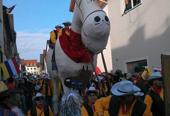 """<span class=""""entry-title-primary"""">Fastnachtsumzug in Bodenheim</span> <span class=""""entry-subtitle"""">8.000 bis 10.000 Besucher und 65 Zugnummern stehen für den Erfolg</span>"""